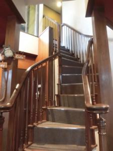 ▲この階段が本当にカッコイイ。ウチに欲しいぐらい(置く場所はない)